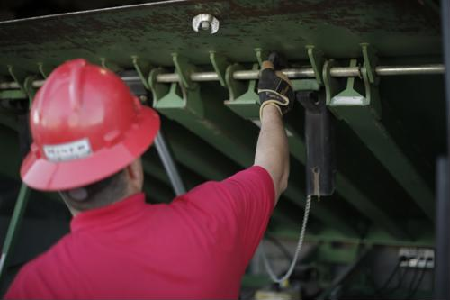 Install and maintain your loading dock equipment with Miner